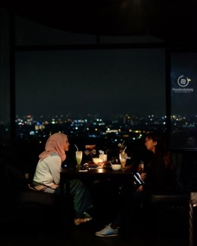 night hangout