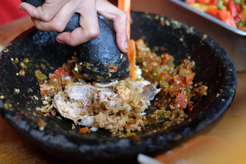 9 Ayam Geprek Paling Enak Dan Unik Di Bandung Foodnote Stories