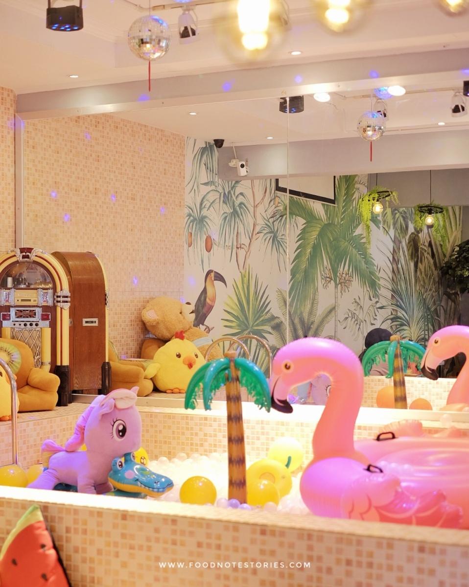 Pillow Cake Cafe, Makan Desserts Lucu Sambil Main di Kolam Bola